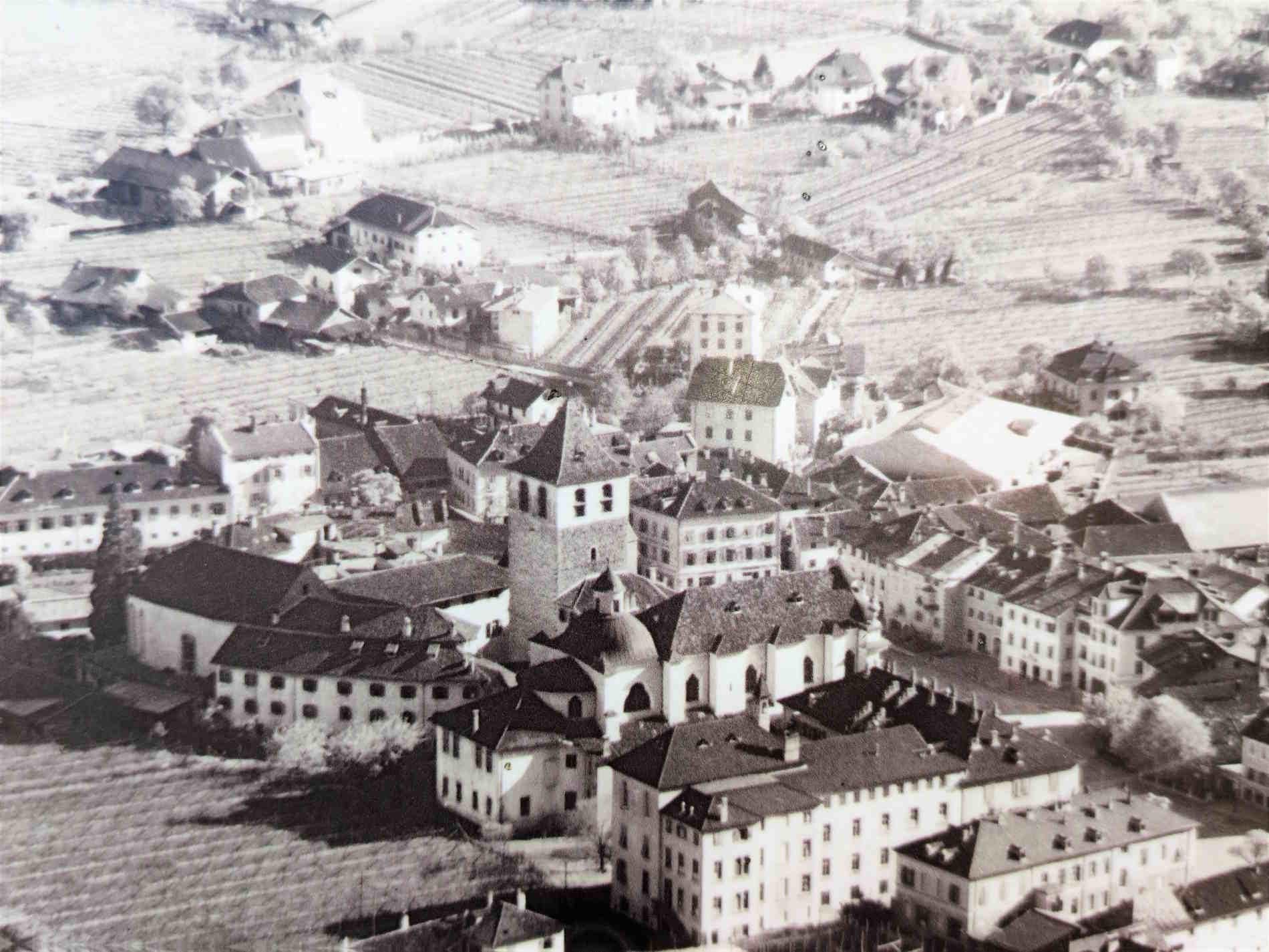 foto del 1930 del quartiere di Gries a Bolzano