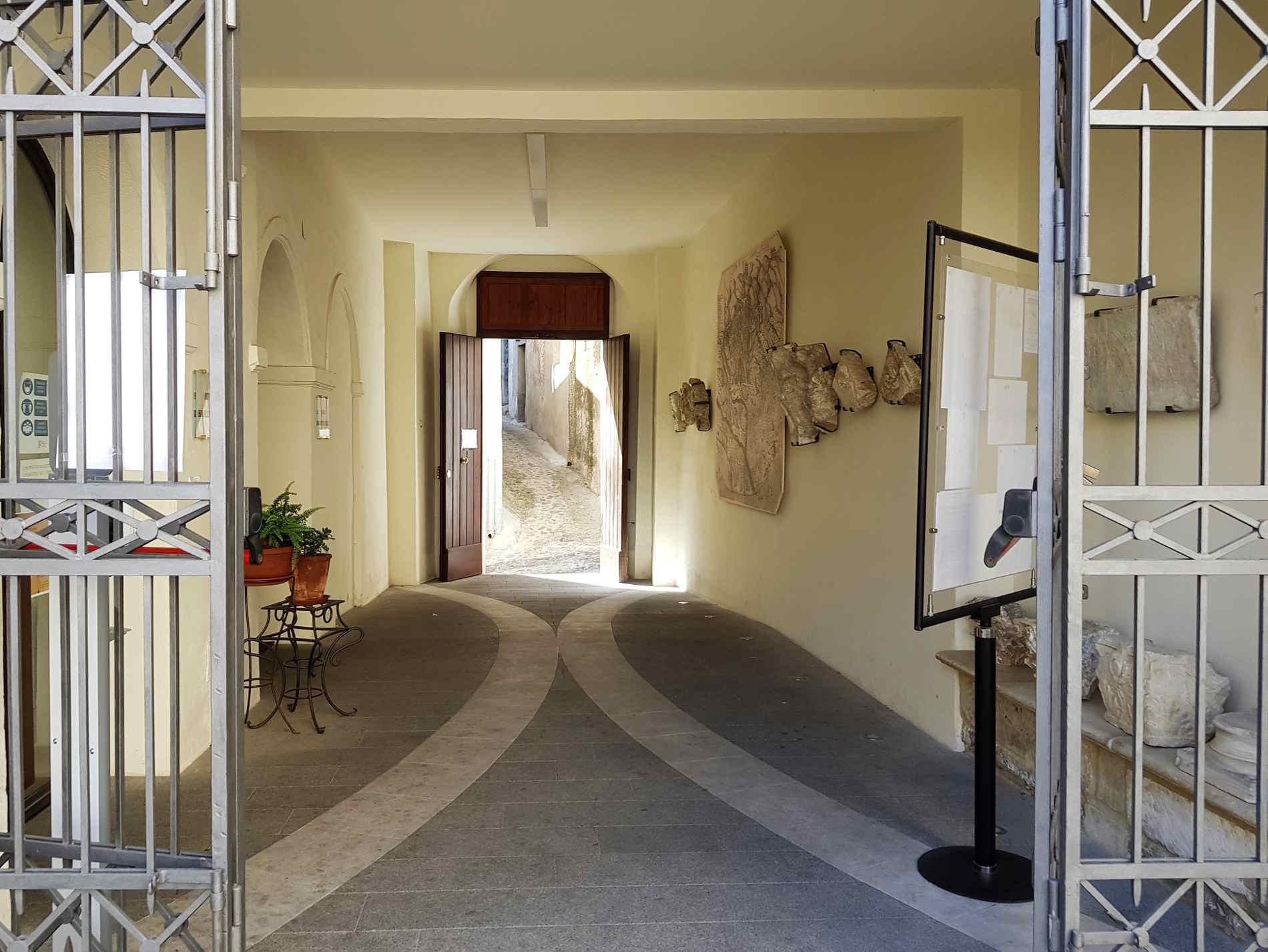 cancello di ingresso al Museo Diocesano del Codex a Rossano