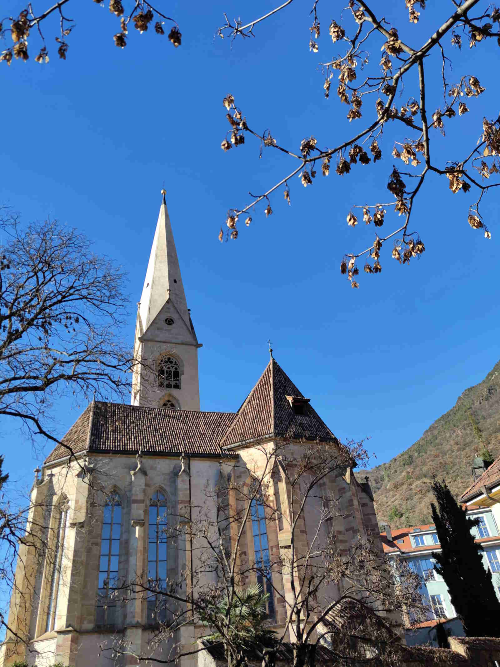 vecchia Chiesa parrocchiale del quartiere di Gries, punto di inizio della passeggiata del Guncina a Bolzano, Alto Adige Italia