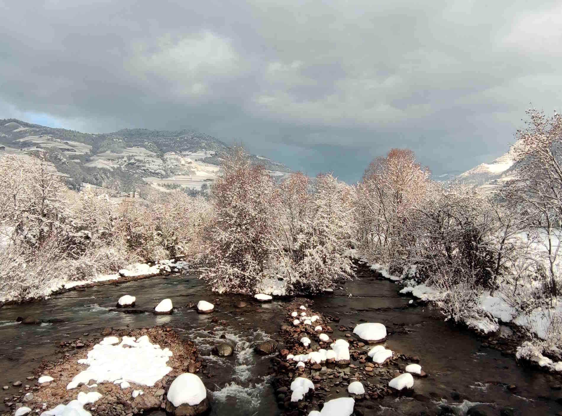 Fiume Talvera a Bolzano con la neve