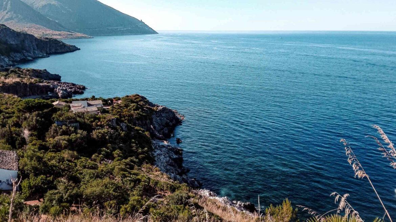 Cala Tonnarella dell'Uzzo, nella Riserva Naturale Orientata dello Zingaro (TP) Sicilia Italia