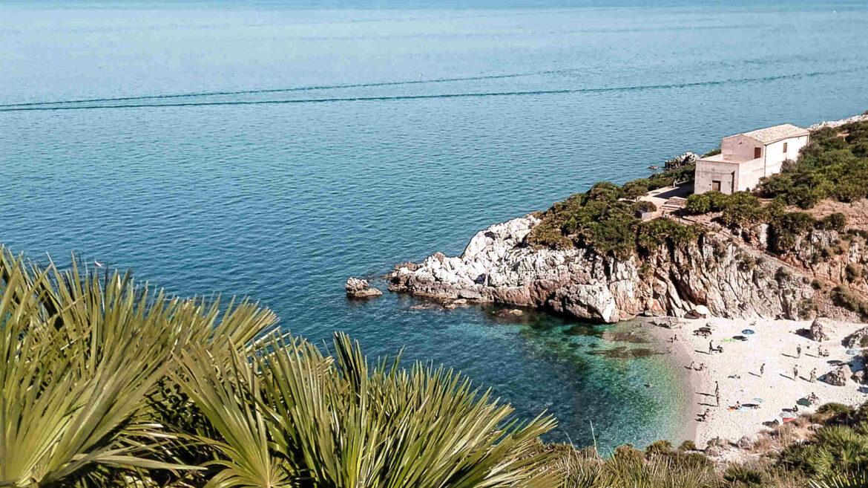 Cala Tonnarella dell'Uzzo, nella Riserva Naturale Orientata dello Zingaro Trapani Sicilia