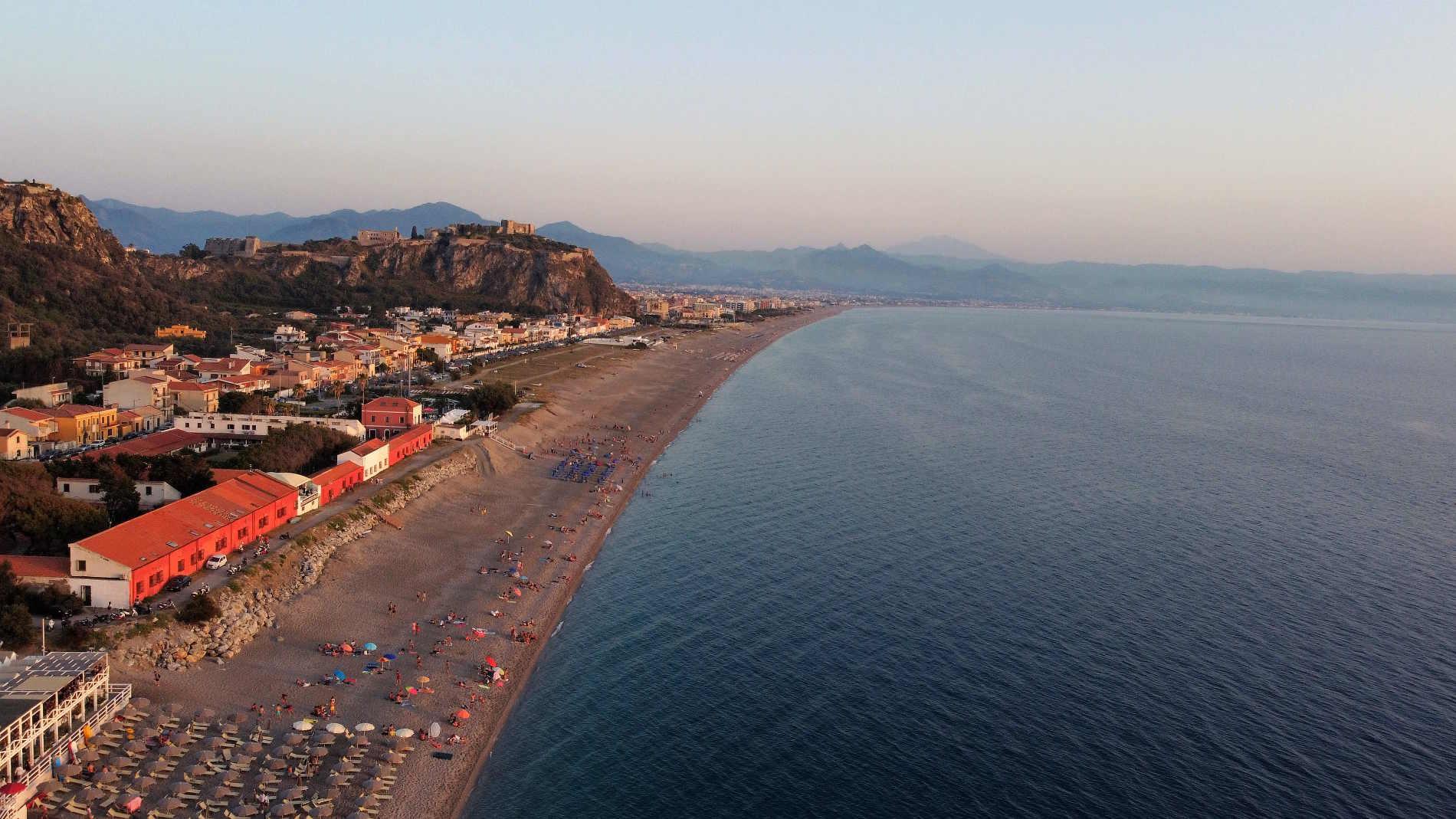Spiaggia d Ponente a Milazzo spiagge più belle d'Italia in Sicilia