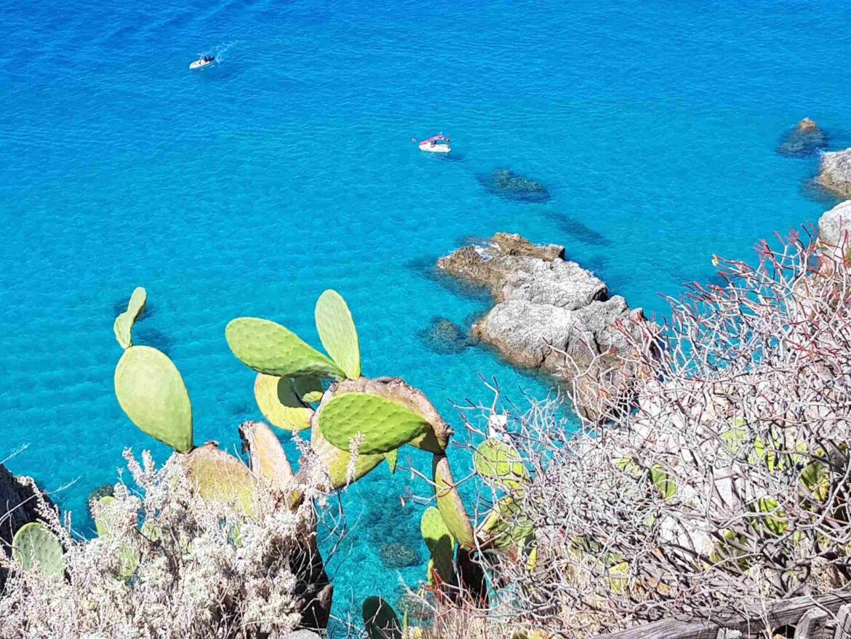 Scorci del Mare a Praia du Focu a Capo Vaticano una delle spiagge più belle d'Italia