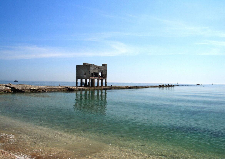 scoglio del Trave sul Conero spiaggia di mezzavalle Marche Italia