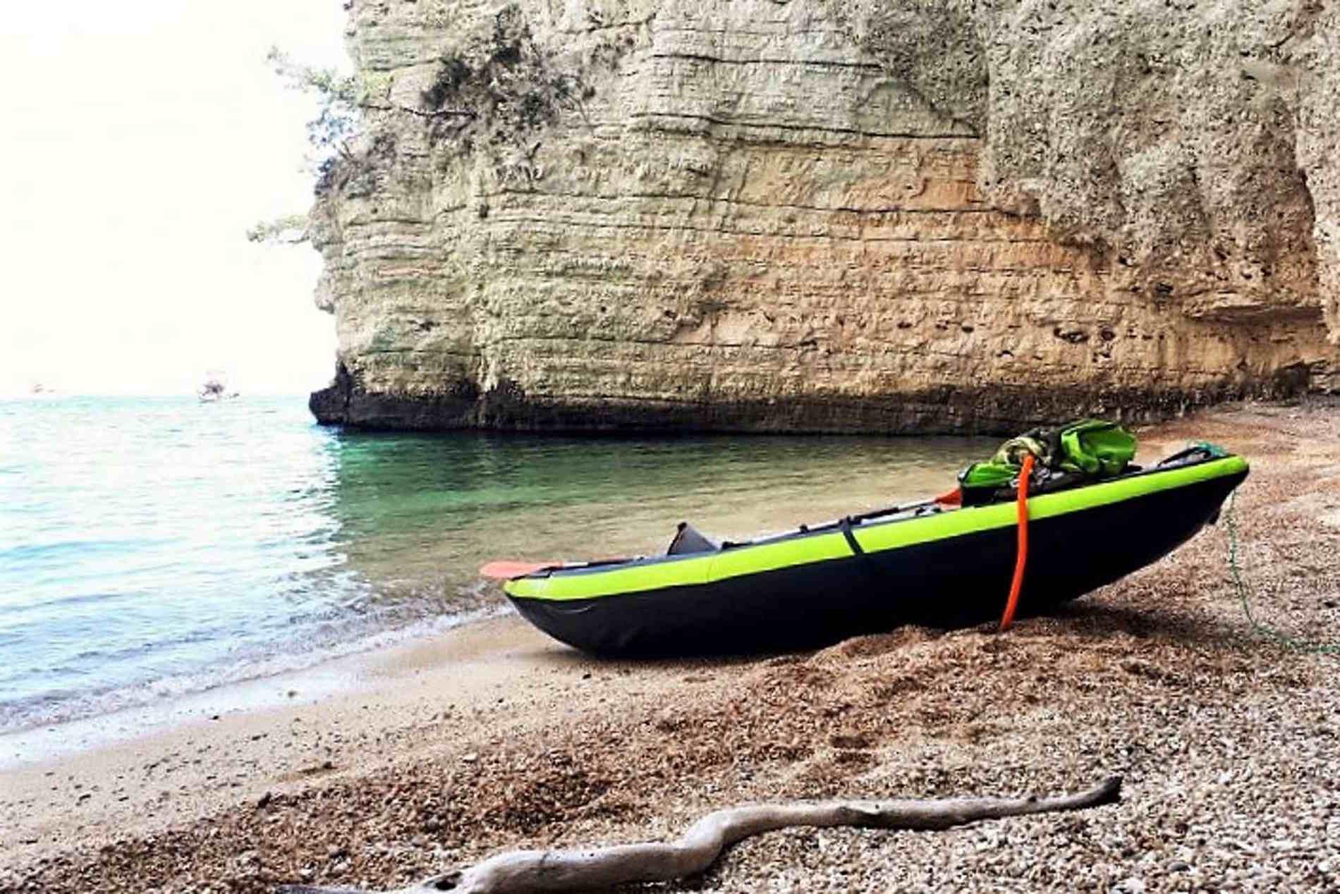 Spiaggia e Baia di Vignanotica sul Gargano Puglia Italia