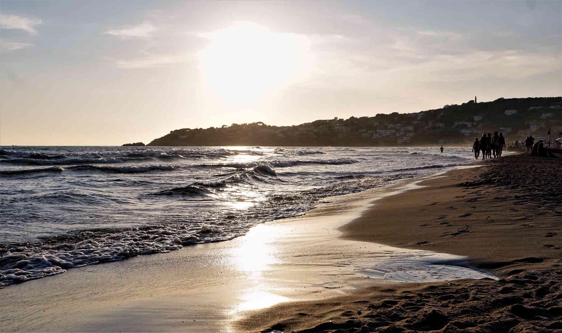 La Spiaggia del Serapo al tramonto, a Gaeta Lazio Italia