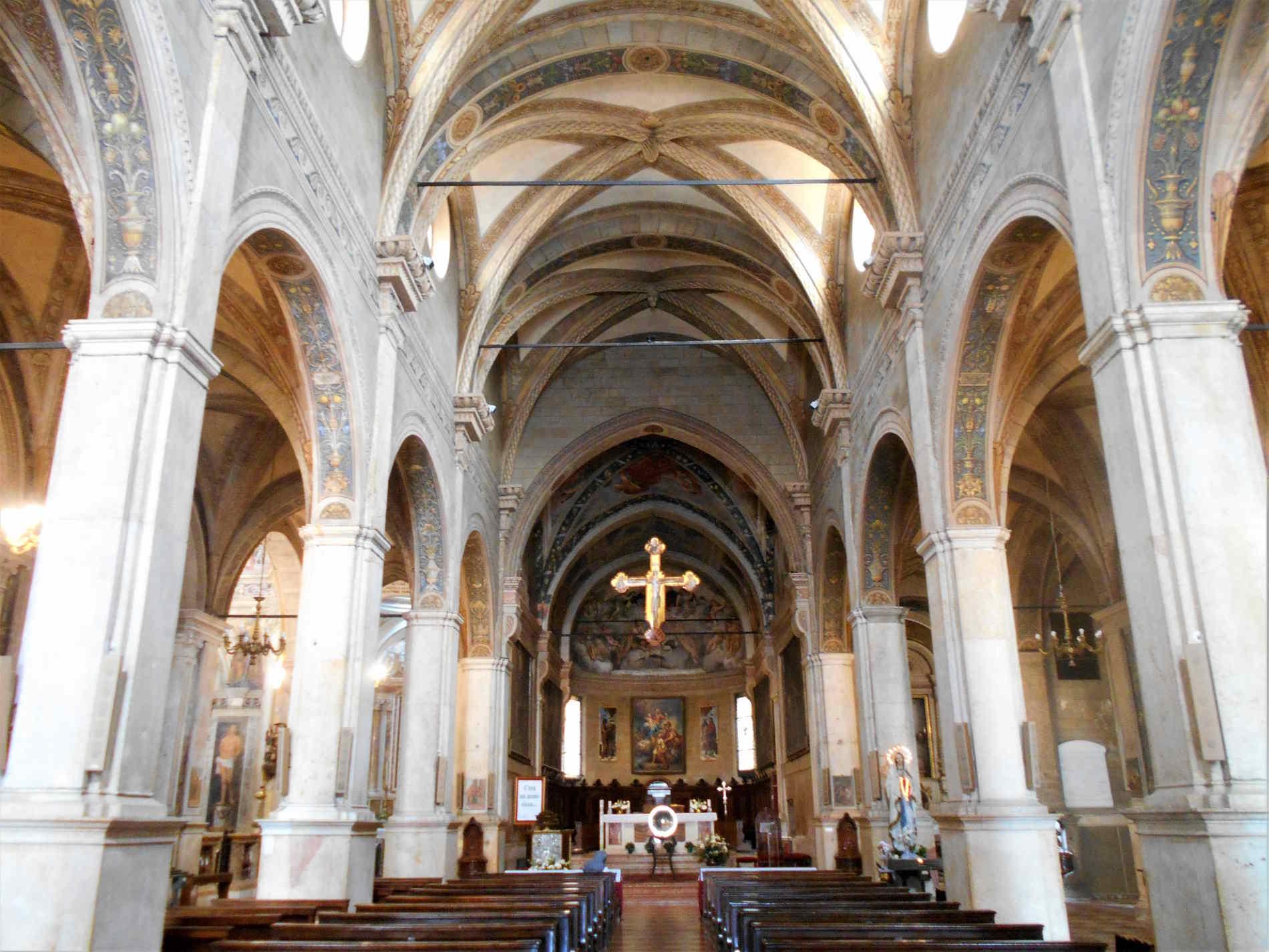 Chiesa di Santi Nazaro e Celso a verona Navata Centrale