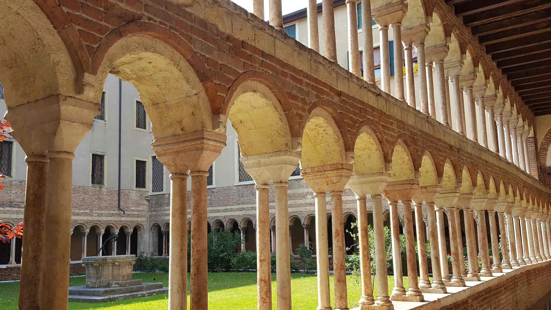 Chiostro del Museo Canonicale a Verona