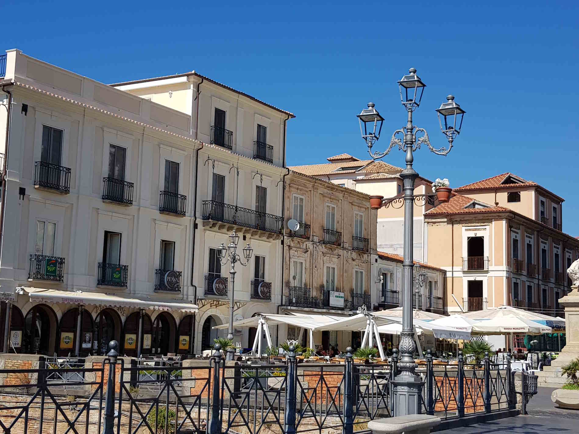 Cose da vedere e fare a Pizzo Calabro - Una sosta in Piazza Garibaldi