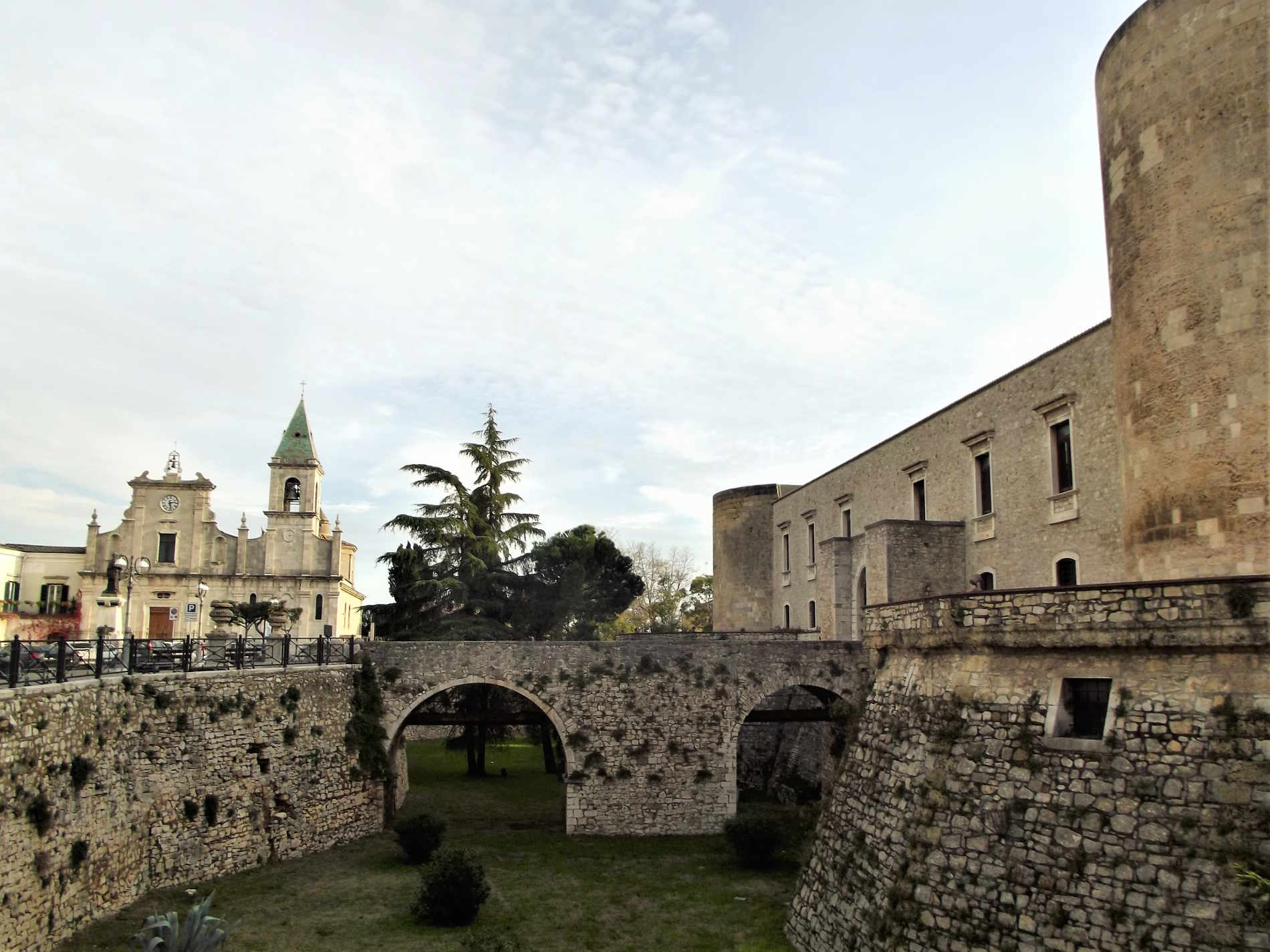 Cosa visitare e vedere in Basilicata Il castello di Venosa