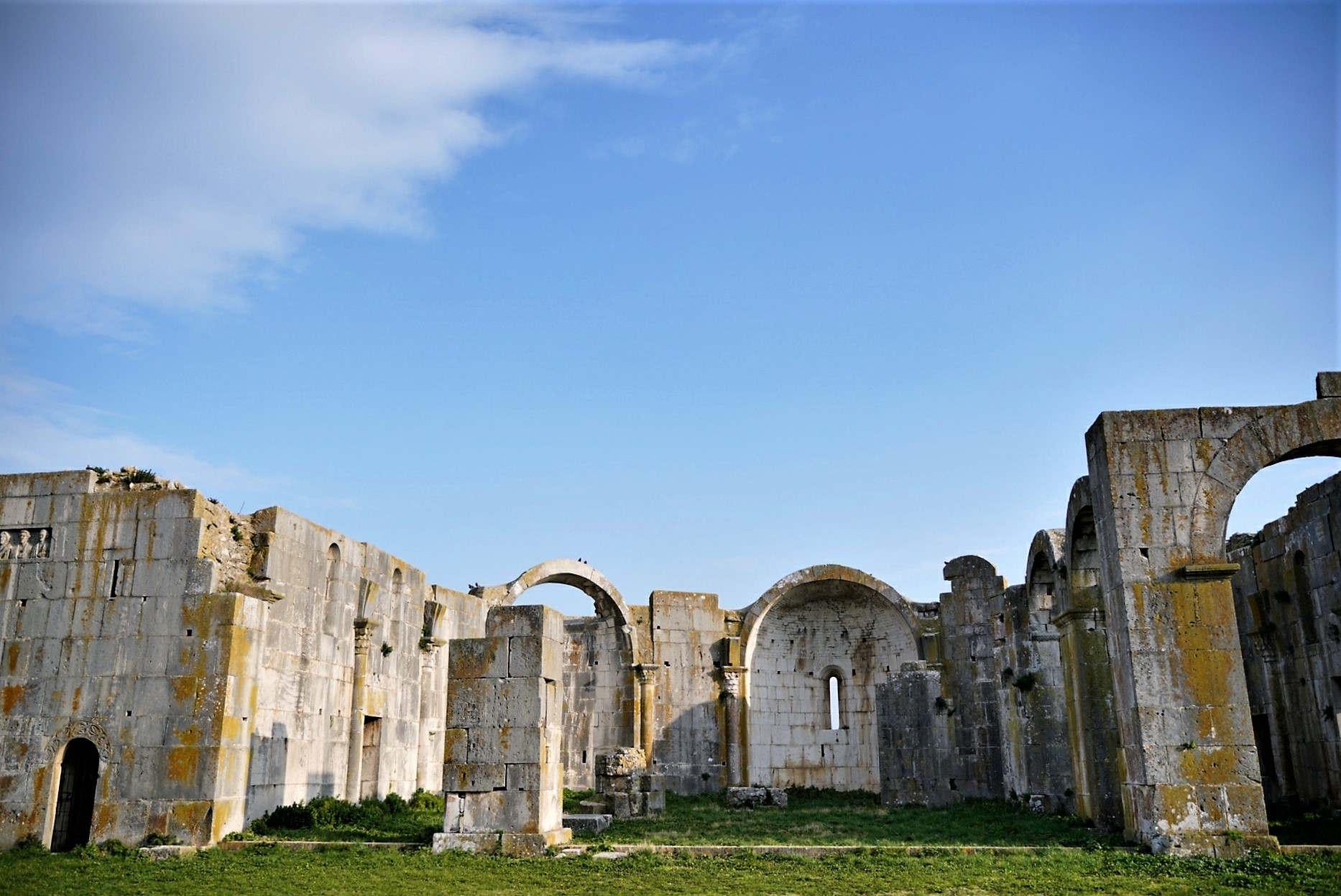 Borghi da visitare in Basilicata - Venosa: Panorama sull'Incompiuta cose da vedere in Basilicata ( Lucania)