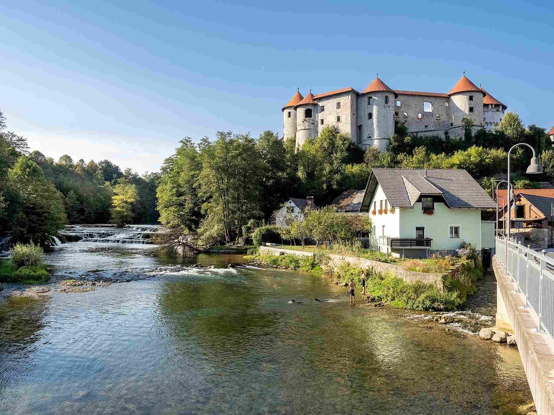 Cose da vedere in u itinerario di Viaggio in Slovenia -Il castello di Žužemberk in Dolenjska