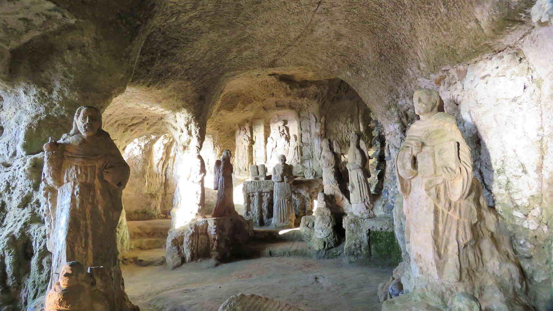 Cose da vedere a Pizzo Calabro e dintorni la chiesetta della Madonna di Piedigrotta Calabria Italiae
