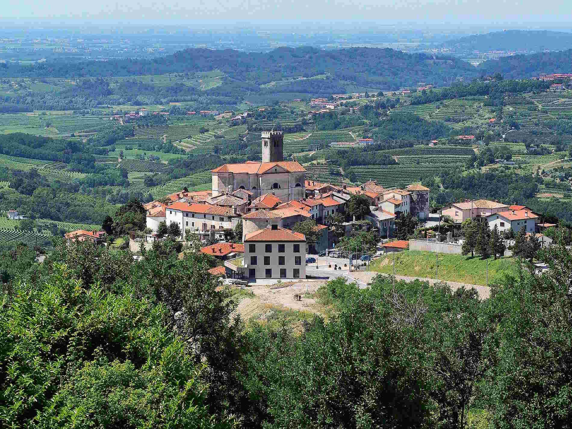 Cosa vedere in un itinerario di Viaggio Slovenia - Il Borgo di Smartno