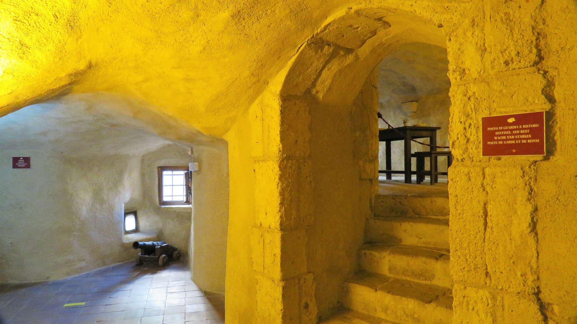 Interni del Castello Aragonese di Pizzo Calabro dedicato a Gioacchino Murat