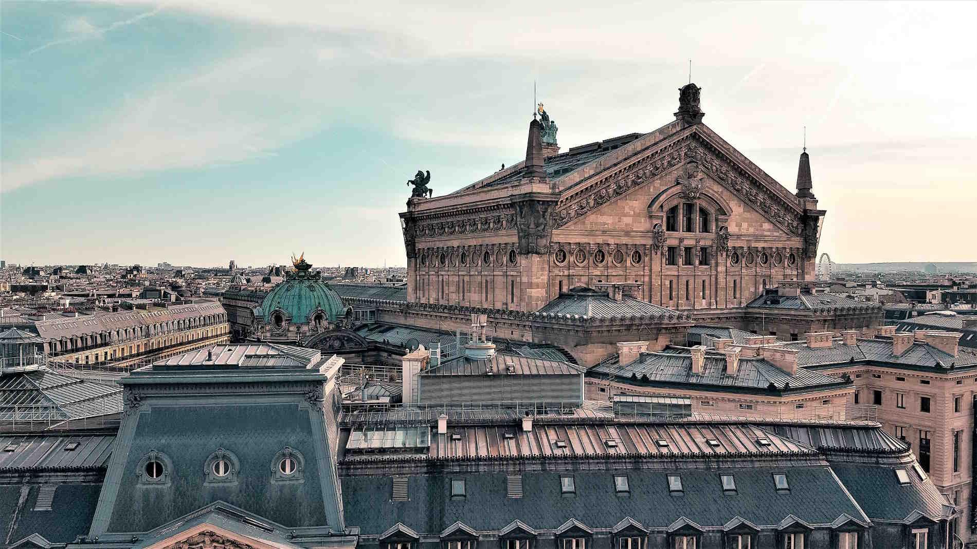 Viaggio nelle Capitali europee più belle Parigi capitale della Francia dai tetti