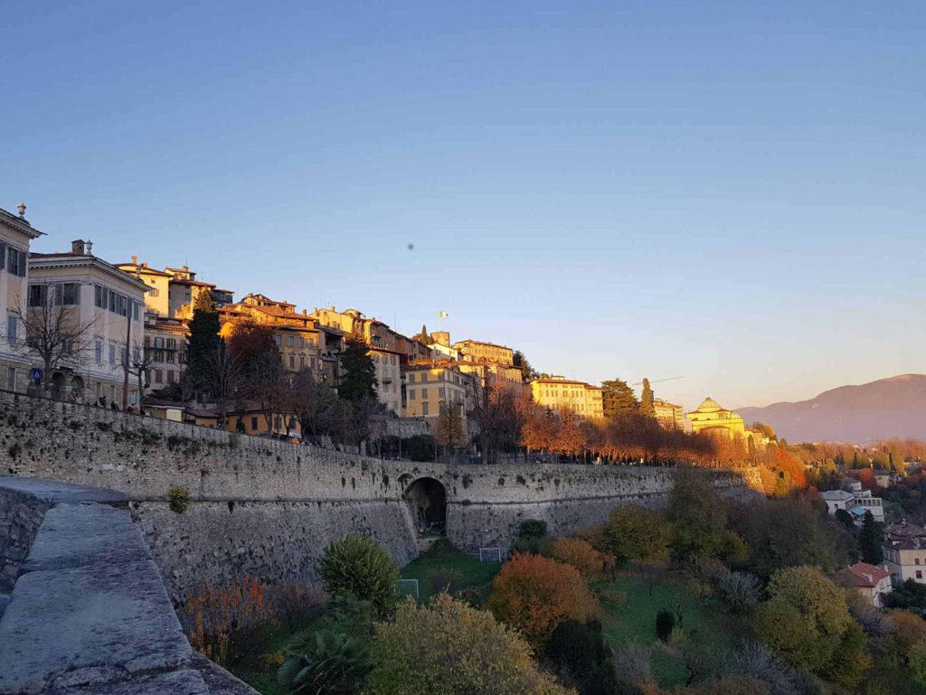 colori autunnali sulle Mura di Città Alta a Bergamo