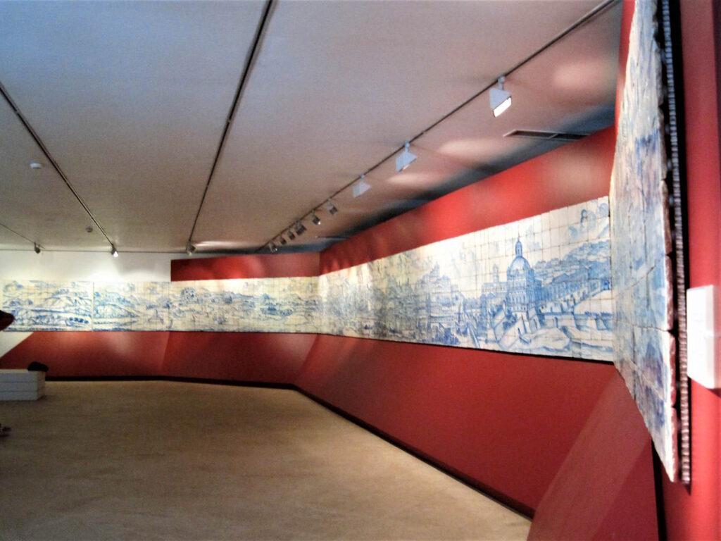 Musei da visitare in Europa Il Museo delle Azulejos a Lisbona Pannello di Lisbona prima del Grande terremoto del 1755