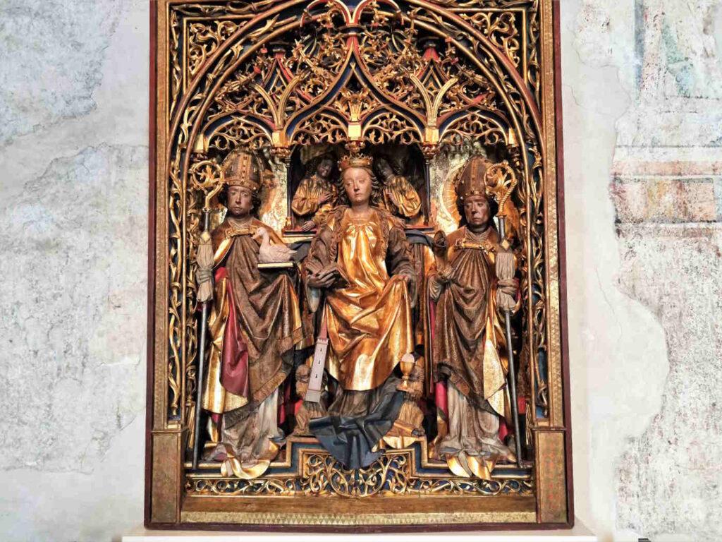 Visitare Castel Tirolo - Altare nella Cappella di San Pancrazio