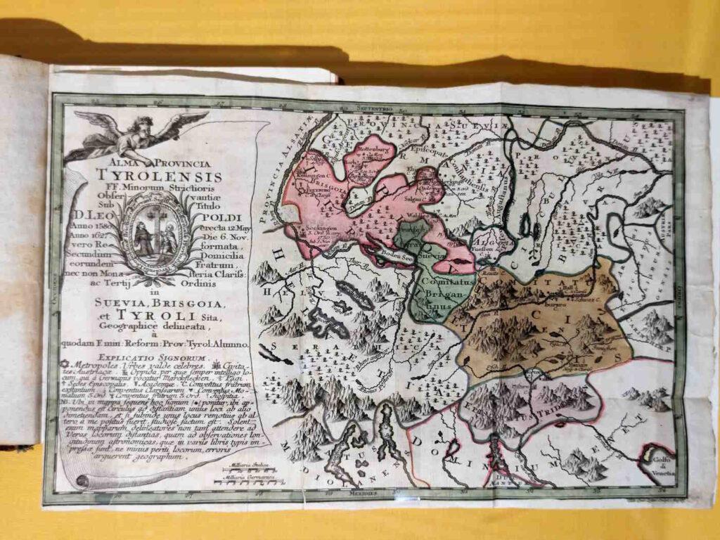 Cosa vedere a Castel Tirolo -Le mostre temporanee - antica mappa geografica del Tirolo