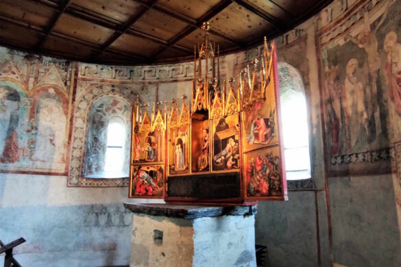 Castel Tirolo - Altare ligneo a sei portelle