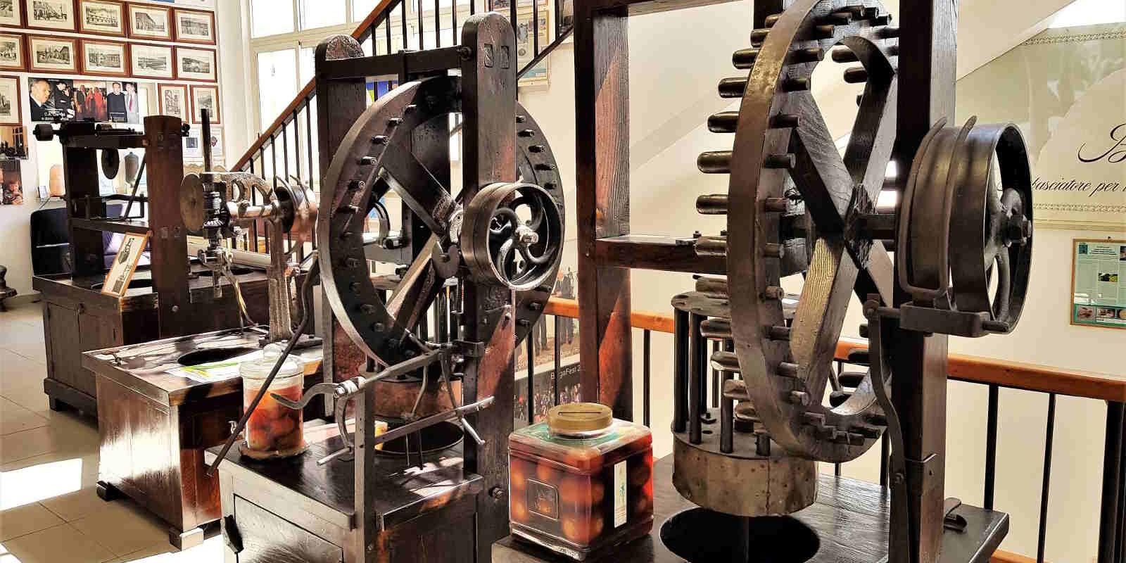 perchè visitare il Museo del Bergamotto a Reggio Calabria-antiche macchine calabresi del 1800 per l'estrazione dell'olio essenziale del Bergamotto